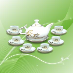 Bộ trà đào vẽ sen vàng