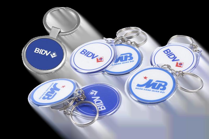 Móc khóa in logo - vừa tiết kiệm chi phí, vừa giúp PR thương hiệu