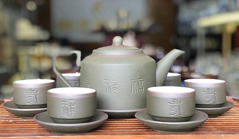 Gốm Sứ Việt là địa chỉ mua ấm trà Bát Tràng chất lượng, giá phải chăng