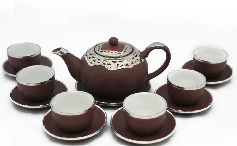 Ấm trà men sứ nâu cổ điển