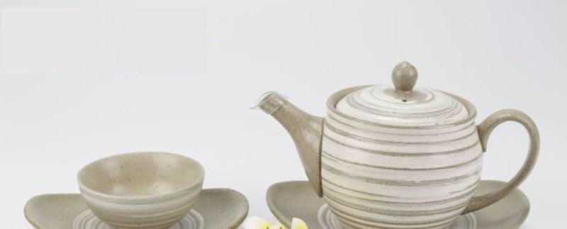 Bộ ấm trà tử sa xước trắng dáng hồng đĩa thuyền