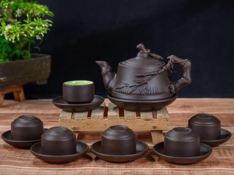 Đây là bộ ấm trà tử sa giá rẻ của làng nghề Bát Tràng, nung ở nhiệt độ 1300 độ C