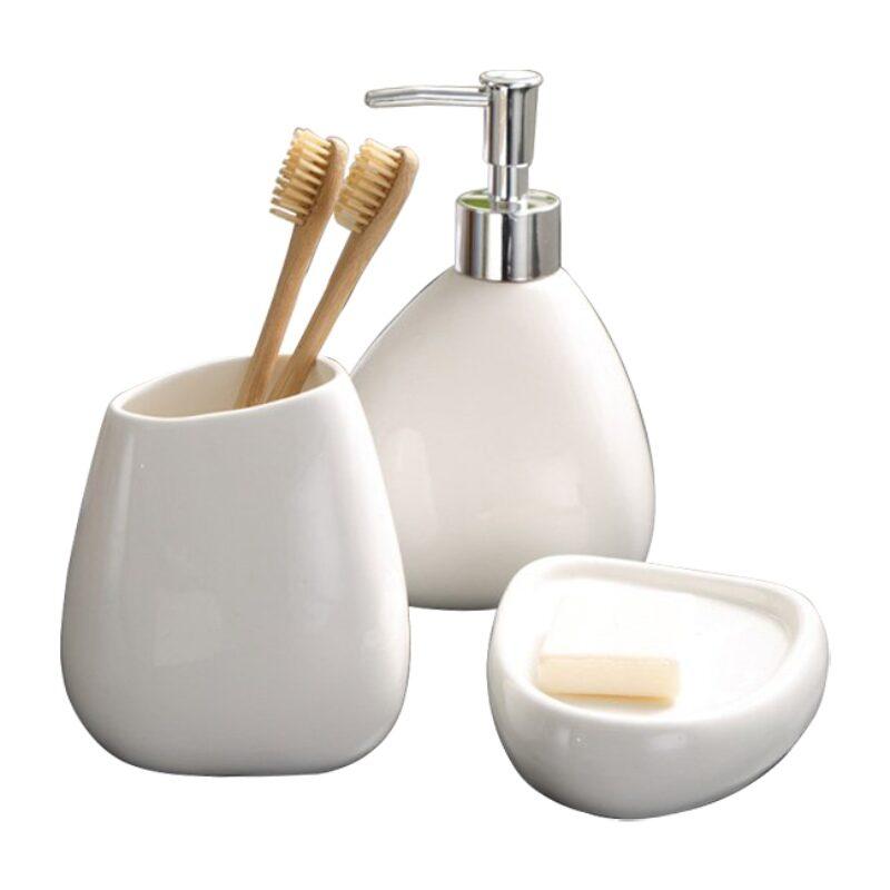 Để cho không gian nhà tắm được gọn gàng và đẹp mắt hơn người ta thường sử dụng bộ dụng cụ nhà tắm