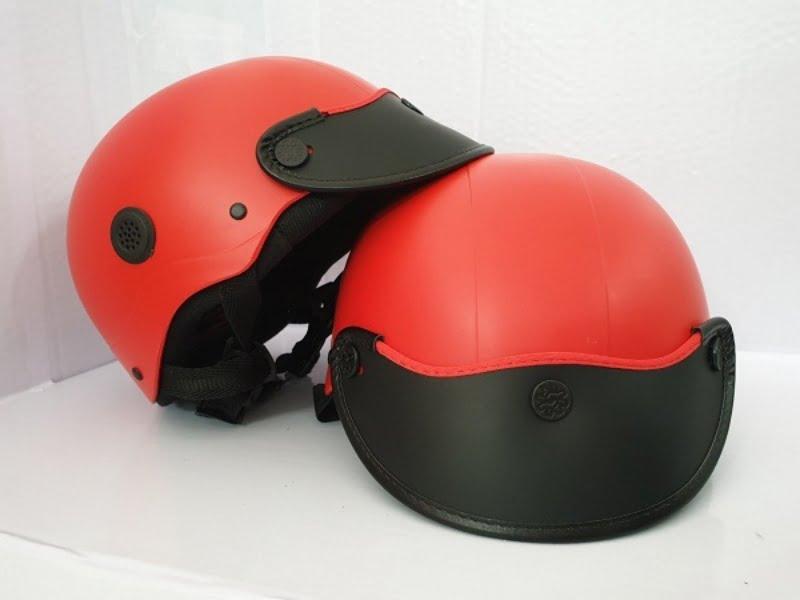 Sạc pin dự phòng hay mũ bảo hiểm cũng là những món quà tặng 30/4 in logo được nhiều doanh nghiệp lựa chọn